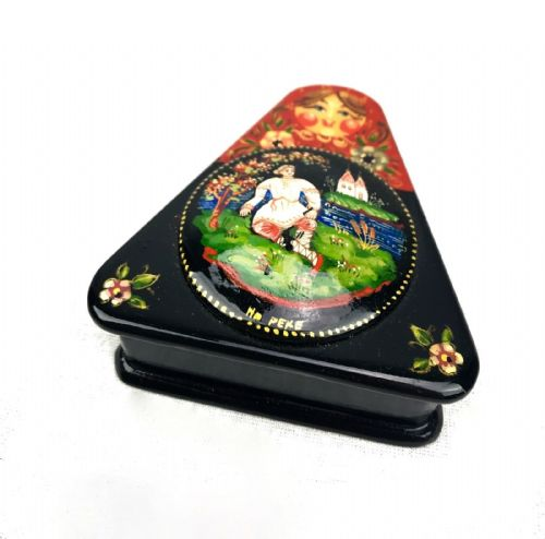 Russian Lacquered / Lacquer Box / Trinket / Highly Detailed / Signed / Triangle